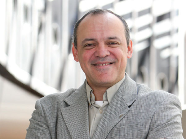 Leiser Silva, management information systems associate professor
